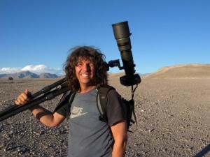 55_Michael_Martin_mit_seiner_Nikon-Kamera_in_Argentinien_im_Jahr_2009