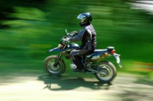 Sonja fährt Motorrad